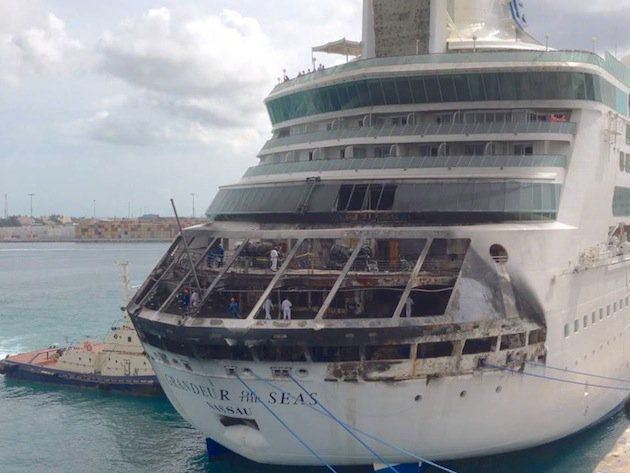 Verbrannte Grandeur of the Seas nach Feuer / © CNN