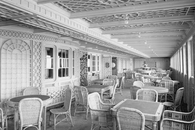 Titanic 1912: Café Parisien / © Blue Star Line