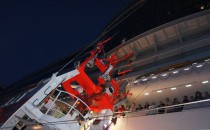 AIDAmar: DGzRS retter Passagier von Bord