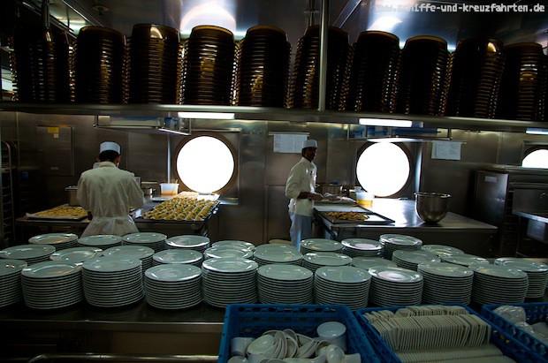 Küche mit Meerblick auf der Costa neoRomantica