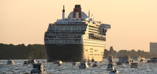 Queen Mary 2 verlässt modernisiert das Blohm und Voss Dock