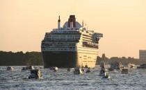 10 Jahre Queen Mary 2 im Hamburger Hafen