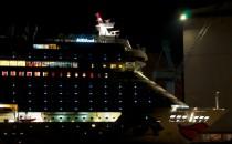 Bilder: AIDAsol in der Nacht vor der Meyer Werft