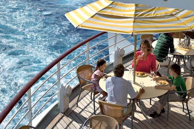 """""""Most Trusted Brand"""":  AIDA wurde zur vertrauenswürdigsten Marke, in der Kategorie """"Kreuzfahrten"""" gewählt worden  / © AIDA Cruises"""
