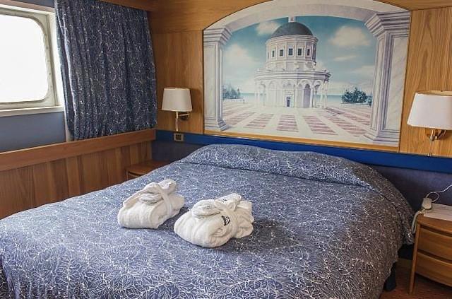 Balkonsuite: Schlafraum auf MS Azores