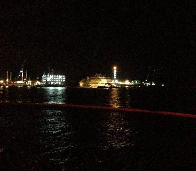 Costa Concordia ist aufgerichtet