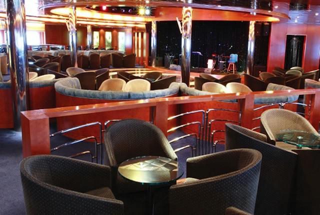 Saint Paul de Vence Lounge Bar der Costa neoRiviera / © Costa Kreuzfahrten