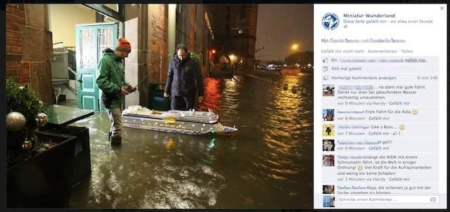 AIDA läuft bei Sturmflut in der Speicherstadt aus