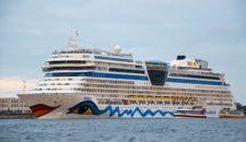 Fünf AIDA Kreuzfahrtschiffe in Hamburg im Jahr 2015: Bella, Sol, Luna, Mar und Diva