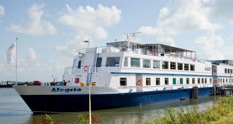 MS Alegria: Rollstuhlkreuzfahrten mit Flusskreuzfahrtschiff / © Adelle Cruises