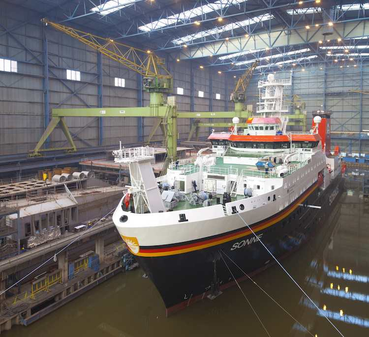 Ausdocken des Forschungsschiff Sonne / © Meyer Werft