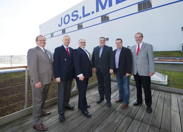 TÜV Rheinland prüft Werksverträge der Meyer Werft / © Meyer Werft