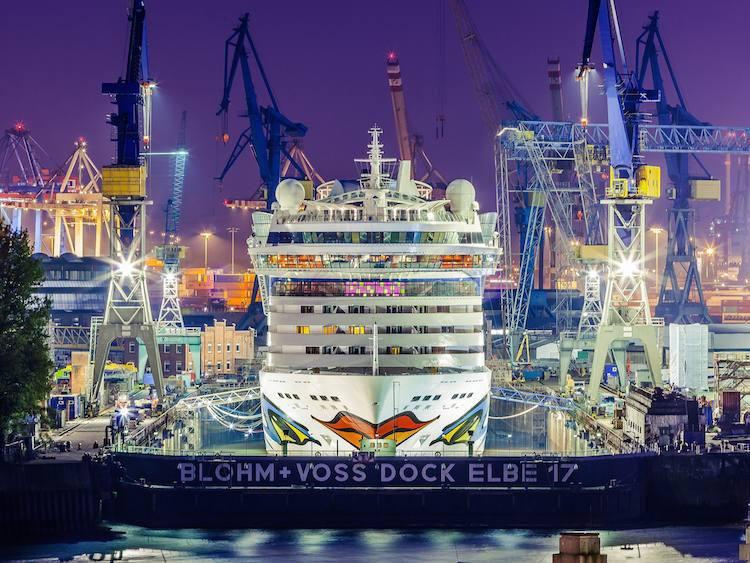 """AIDAluna im Blohm und Voss Dock """"Elbe 17"""" / © AIDA Cruises"""