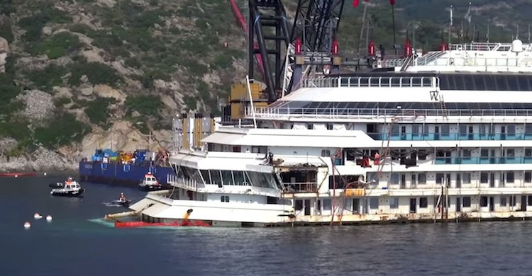 Costa Concordia Wrack im Juni 2014 vor Giglio / © Nils Kallmeyer (Screenshot Video)