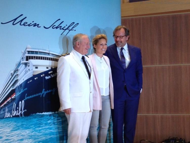 Kapitän Kjell Holm, Taufpatin Helene Fischer und CEO Richard Vogel