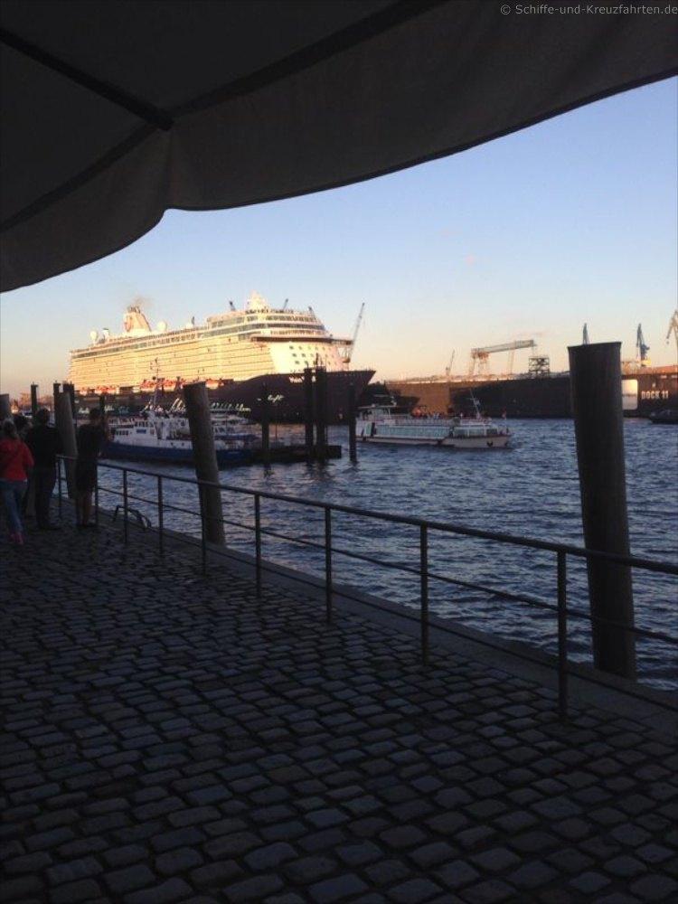 mein-schiff-3-taufe-in-hamburg-fischmarkt 3