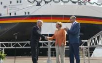 """Kanzlerin Merkel taufte heute das Forschungsschiff """"Sonne"""" von der Meyer Werft"""