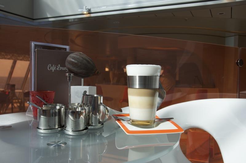 Café Lounge Mein Schiff 3