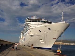 Costa Luminosa im Hafen von Ibiza