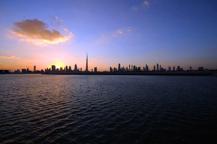 Die Skyline von Dubai - Wasseransicht