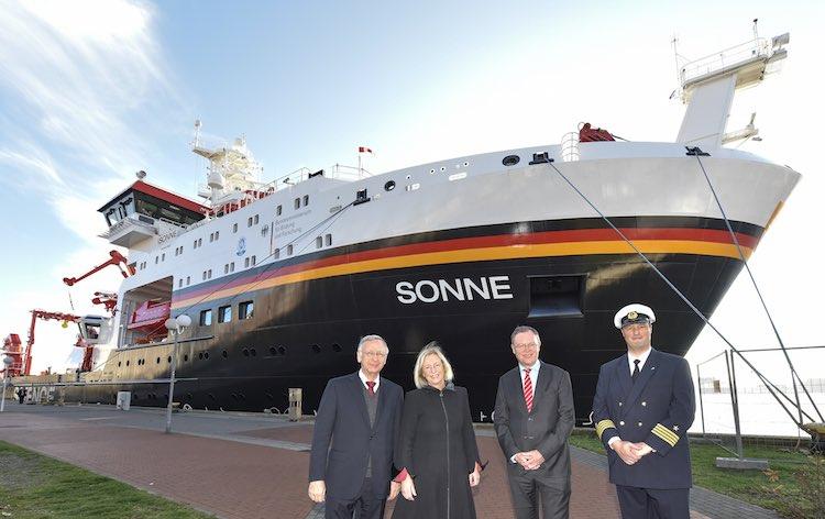Übergabe der Sonne: Neues Forschungsschiff des Bundesministerium für Bildung und Forschung / © Meyer Werft