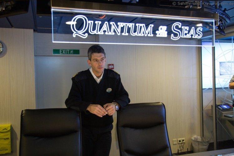 Schiffsbrücke der Quantum of the Seas - die Kommandozentrale im Detail