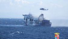 Norman Atlantic evakuiert: 12 Tote, viele Vermisste, Kapitän ging zuletzt von Bord
