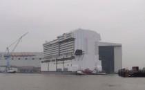 Video: Motoren-Sektion der Norwegian Escape ausgedockt: Anthem of the Seas im Baudock