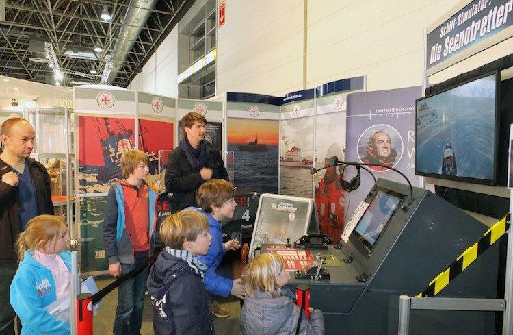 DGzRS Simulator auf der Boot 2015 in Düsseldorf / © DGzRS