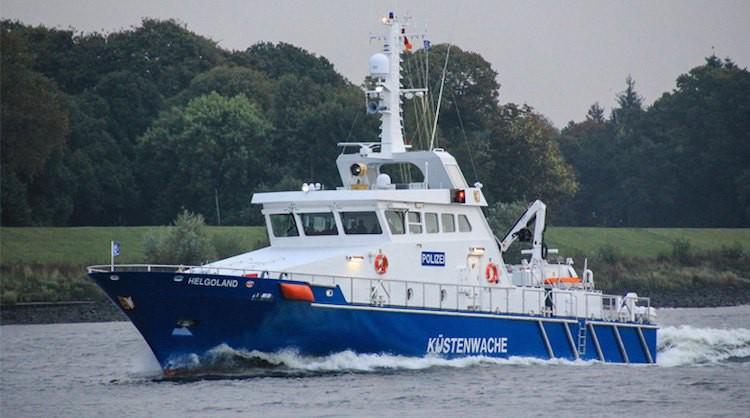 """Neues Polizei-Küstenboot: """"Helgoland"""" für die Wasserschutz-Polizei Schleswig Holstein / © Fassmer Werft Berne"""