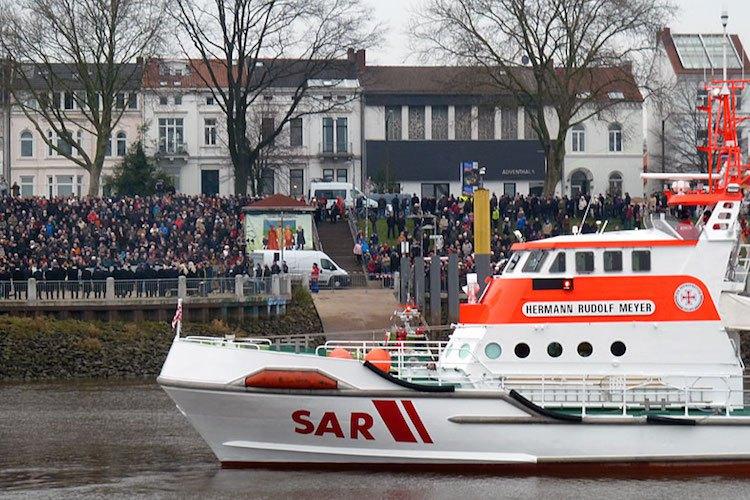 Seenotkreuzer Hermann Rudolf Meyer beim Eiswett-Stiftungsfest 2015 / © DGzRS