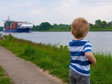 Shipspotting am Nord-Ostsee-Kanal: Nicht nur für Kids ein toller Ausflug