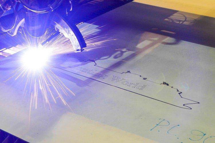 Stahlschnitt der Genting World für Star Cruises auf der Meyer Werft / © Meyer Werft