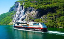 Hurtigruten: 12 neue Routen mit exklusivem Kultur-Programm