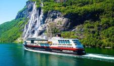 Hurtigruten baut 9 Kreuzfahrtschiffe auf LNG- und Akku-Antrieb um