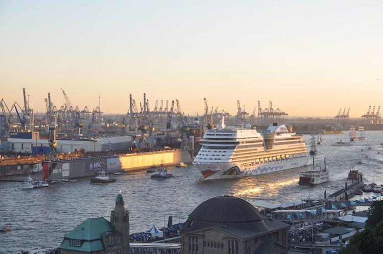 AIDAmar eröffnet die Hamburger Kreuzfahrtsaison am 7.März / © AIDA Cruises