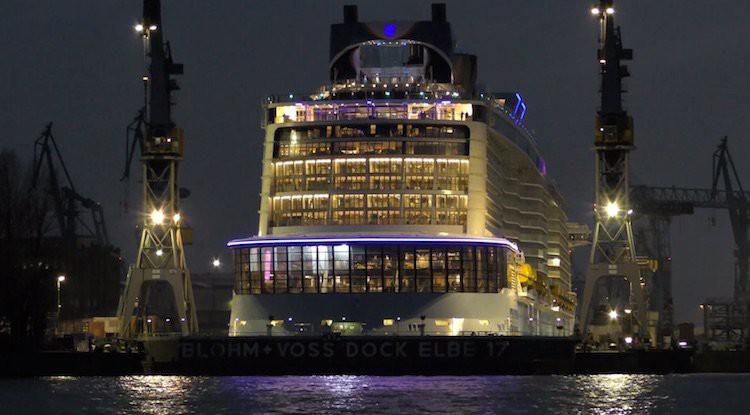 Anthem of the Seas im Elbe 17 Dock der Blohm und Voss Werft / © Inselvideo