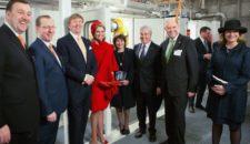 Königspaar Maxima & Willem-Alexander auf AIDA LNG Barge