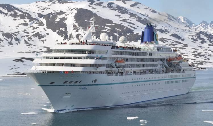 Das neue ZDF Traumschiff, die MS Amadea kommt auch zu den Cruise Days / © Red Roses / Phoenix Reisen