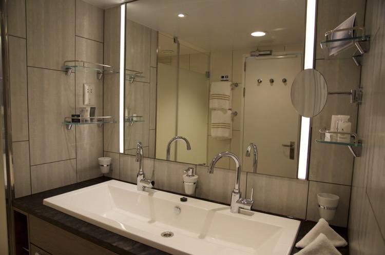 Diamant Suite 6176 - Badezimmer - Mein Schiff 4