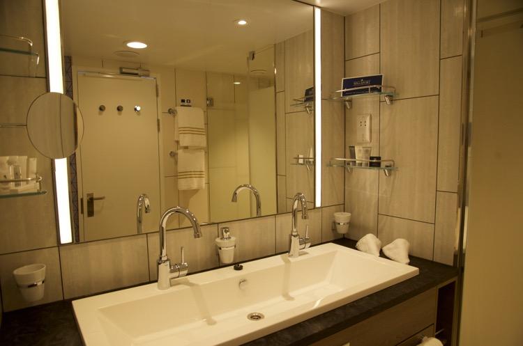 Diamant Suite 6181 - Badezimmer - Mein Schiff 4