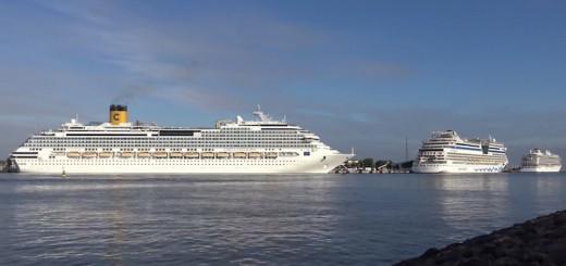 Costa Favolosa, Viking Star und AIDAdiva im Hafen von Warnemünde / © Inselvide