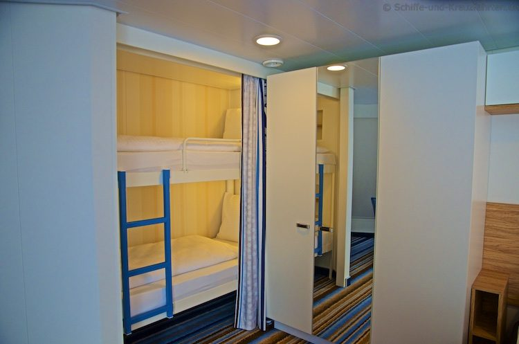 mein schiff 3 4 familienkabine au en oder mit balkon. Black Bedroom Furniture Sets. Home Design Ideas