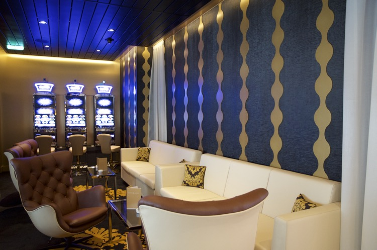 Casino & Lounge - Mein Schiff 4