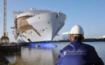 Fotos: Harmony of the Seas bei STX in Frankreich ausgedockt