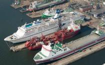 """CMV Flaggschiff """"Magellan"""" beendet Werftzeit in Amsterdam"""