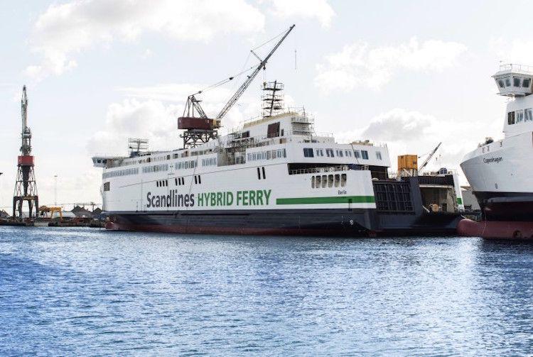 """Die neue Fähre """"Berlin"""" wird planmäßig in der Fayard Werft umgebaut und soll Ende Oktober in Dienst gestellt werden  / © Scandlines"""