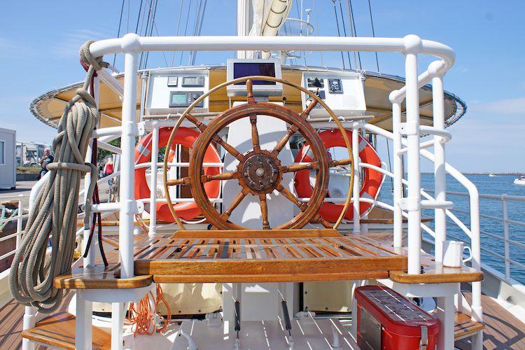 Steuerrad Segelschiff / © Bow Line