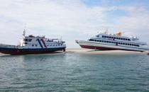 Wattenmeer: Adler-Express und Hauke Haien festgefahren