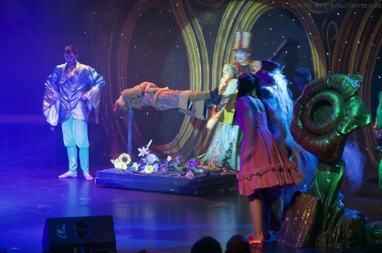 MSC Sinfonia - Oz Show